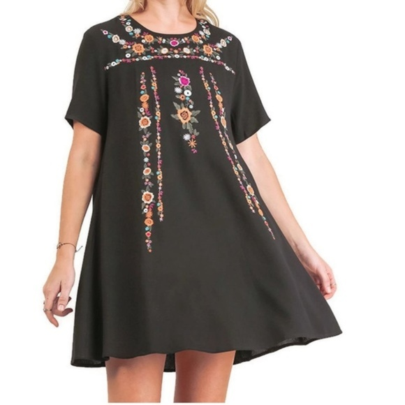e3a07ea290a7a Umgee floral embroidered black tunic swing dress. M_5c4b6bcf035cf13d0a14dc5e